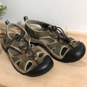 Keen women's sandal size 8